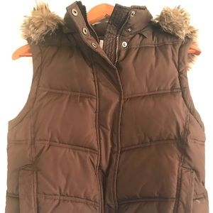 Gap brown puffer vest with furry hood